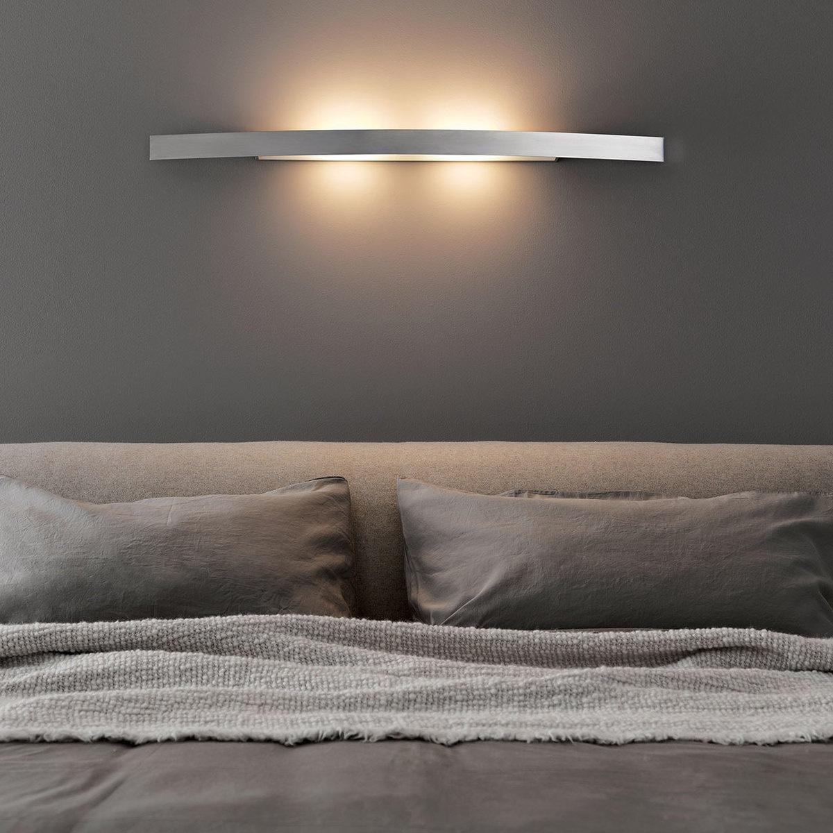 Lampada da parete riga l 70 cm by fontanaarte lovethesign for Fontana arte riga