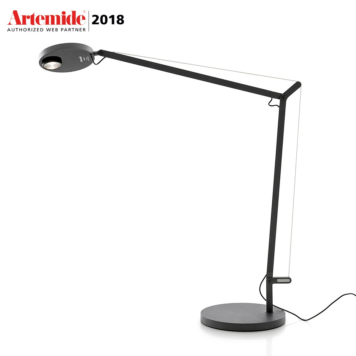 lampe de table demetra professional avec d tecteur de pr sence by artemide lovethesign. Black Bedroom Furniture Sets. Home Design Ideas