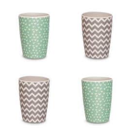 4 Mixed Cups