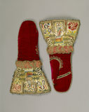 Pair of Elizabethan gauntlet mittens at Dunham Massey