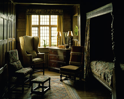 Ireton Bedroom at Packwood House