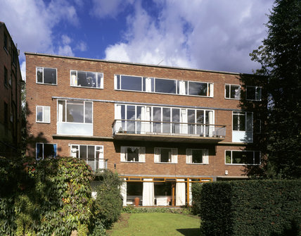 The garden front of 1-3 Willow Road designed by Erno Goldfinger in 1937