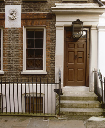The Front door at Carlyle's House, 24 Cheyne Row, London, the home of writer Thomas Carlyle and his wife from 1834 to 1881