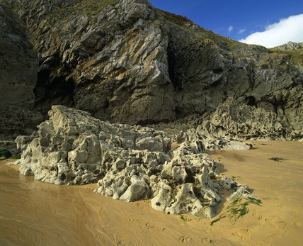 Spectacular shapes of eroded limestone at Barafundle Bay, on the Stackpole Estate