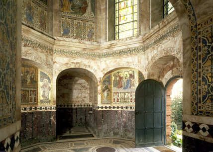View of the interior of octagonal temple at Cliveden built 1735, by Leoni and converted to a mausoleum in 1893