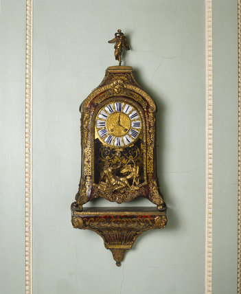 Boulle bracket clock in the Entrance Hall at Saltram c1740 which has a movement mechanism by Etienne le Noir