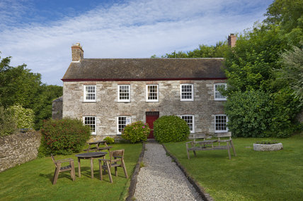 Coombe Farm, above the Coombe Hawne valley, a National Trust bed & breakfast establishment, at Fowey, Cornwall