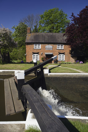 New Haw Lock and the keeper's cottage on the River Wey Navigations, Surrey