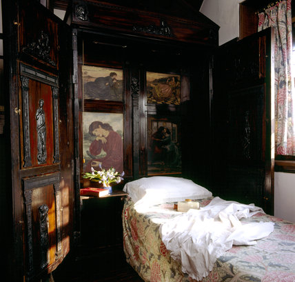 The Oak Room at Wightwick Manor with the folding bed in the cupbaord