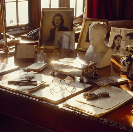 Winston Churchill S Desk In The Study At Chartwell