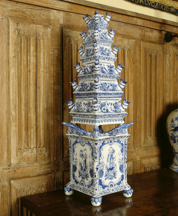 Close-up of blue and white Delftware tulip vase decorated with flowers, birds and putti, C17th and marked AK: Adiansx Koex or Kocks