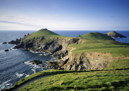 Between New Polzeath and Port Quin the Rumps is one of the headlands and has elaborate Iron Age earthworks