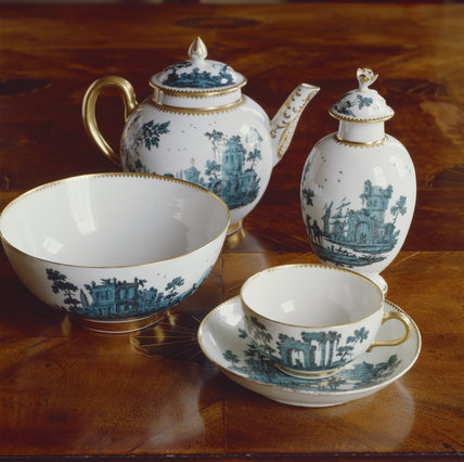 Teapot,tea caddy,slop dish and one teacup from a Worcester service c 1770