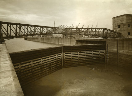 River Entrance, Gladstone Dock