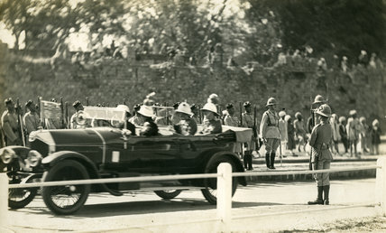 Prince of Wales Passing 1/3 Ghurka Rifles Guard at Kashmir Gate, Delhi