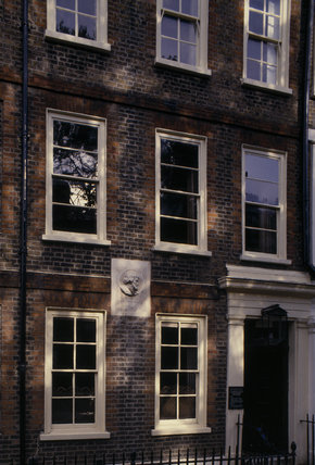 24 Cheyne Row, the home of Thomas and Jayne Carlyle