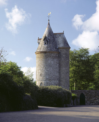 The Water Tower at Trelissick, a NT holiday cottage