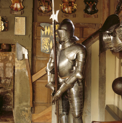 Snowshill - Dragon: a three-quarter suit of German Armour c.1600