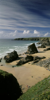 View of the beach (not NT) at Bedruthan Steps from Carnewas in the south, looking north to Park Head promontory