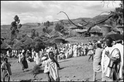 People at the market in Lalibela