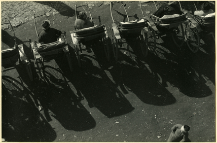 Light and shadow (rickshaws)