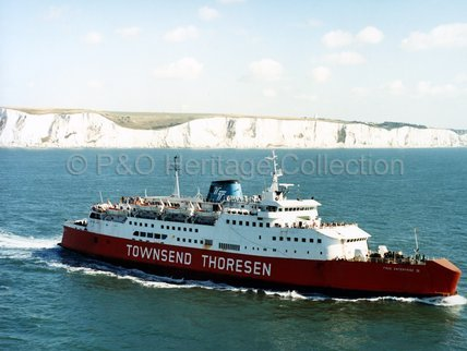 FREE ENTERPRISE IV leaving Dover