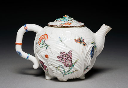 Teapot, by the Chelsea Porcelain Factory