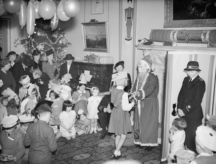 A Christmas party held at Admiralty House, London, 17 December 1942.