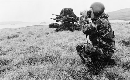 A Rapier surface-to-air missile battery watches out for Argentine aircraft at San Carlos in the Falkland Islands, June 1982.