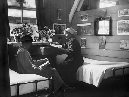 Two members of the Women's Royal Naval Service (WRNS) in their quarters at Osea Island, Essex during the First World War.