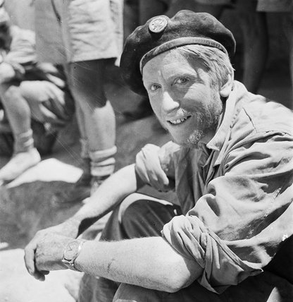 WESTERN DESERT:  BLOND LRDG SOLDIER WITH BERET
