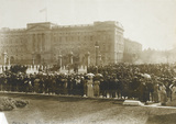 Suffragette deputation to Buckingham Palace: 1914