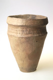 Large collared urn: early bronze age