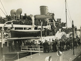 Passengers boarding the paddle steamer Royal Eagle at Town Pier: 1935