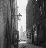 View of alleyway with houses of Parliament: 20th century