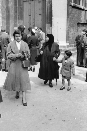 Members of the Cypriot community in London: 1954