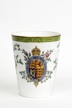 Beaker to commemorate the coronation of George V and Mary: 1911