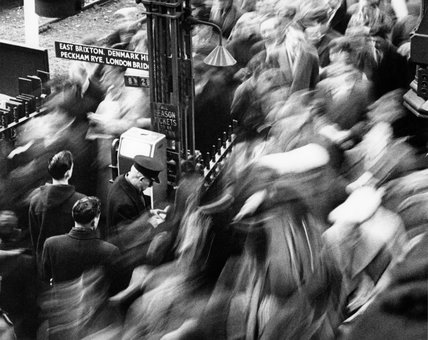 Rush hour at Victoria Station: 1960
