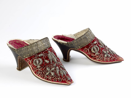 A pair of woman's mules: c. 1651-1670