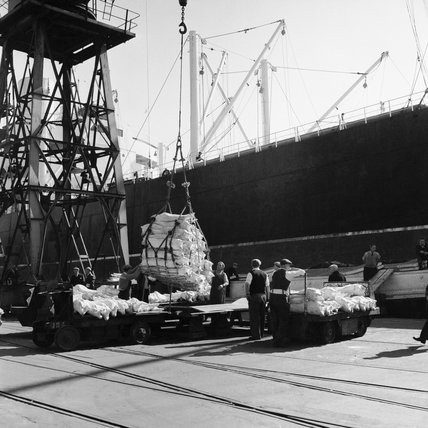 Workers at Royal Albert Dock; C.1960