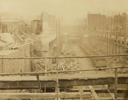 The construction of the Metropolitan District Railway; 1866