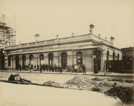 The construction of the Metropolitan District Railway; c.1868