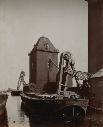 'C' silo at Royal Victoria Dock: c.1920