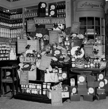 Fortnum and Mason's Christmas displays, 1953