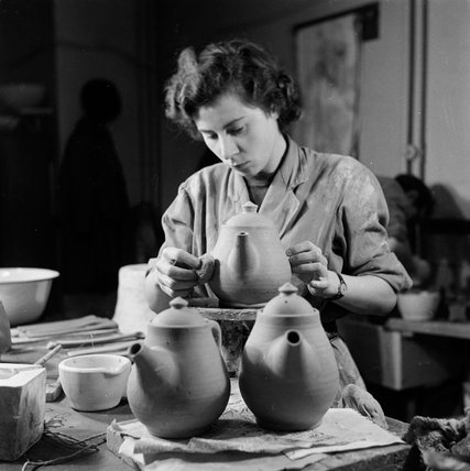 Pottery class at the Camberwell School of Art: 1950
