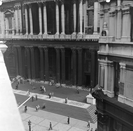The steps of  St Pauls Cathedral. c.1951