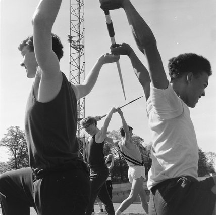 Exercises for Javlin throwers; 1964