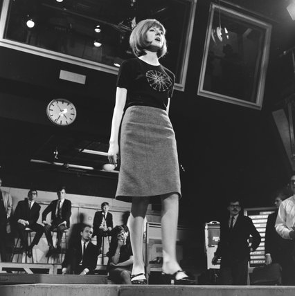 Cilla Black performing on Ready, Steady, Go; 1964