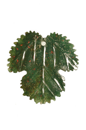 Pendant in the form of a strawberry leaf: 16th-17th century