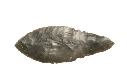 Leaf-shaped flint dagger: early bronze-age
